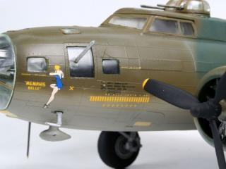 Revell Boeing B-17 Flying Fortress Memphis Belle 1:48 04297