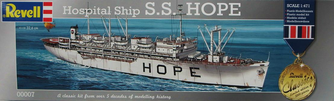Revell Hospital Ship S.S. Hope 1:471 00007