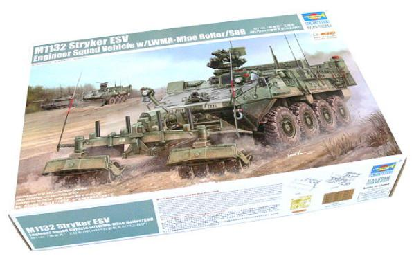 Trumpeter M1132 Stryker Engineer Squad  Vehicle w/LWMR-Mine Roller/SOB 1:35 01574